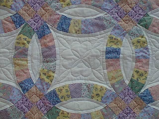 Golden double wedding ring quilt pattern